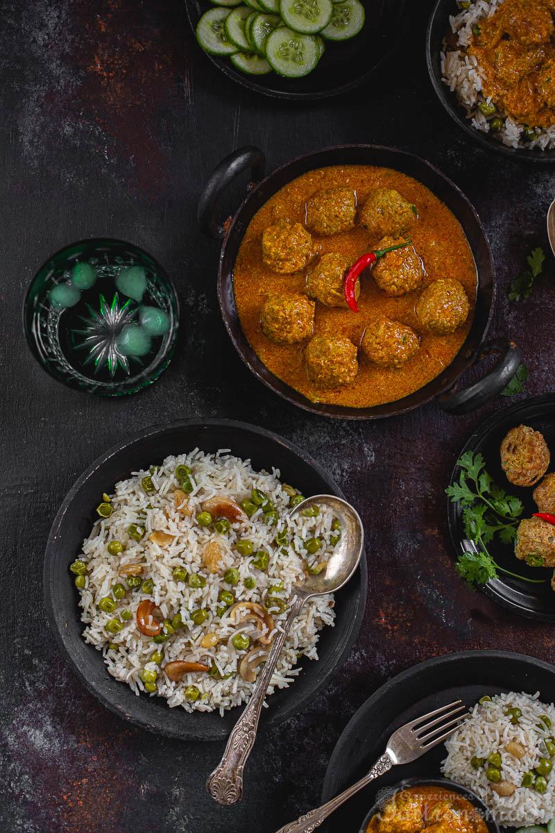 Peas Pulao And Fish Kofta Curry