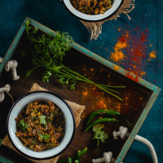 Loitya Maacher Jhuri Bhaja (Spicy stir-fried bombay duck)