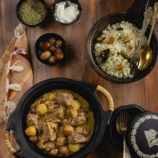 Mouri diye mangsho (Mutton with fennel seeds and cream)