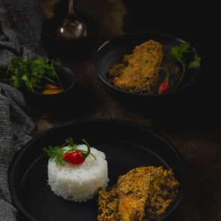 Rui Posto / Katla Posto (Rohu / Katla Fish With Poppy Seed Paste)