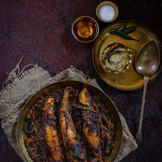 Laal Shaak diye Bele Maach (Amaranth Leaves Stir-fried with Bele Maach)