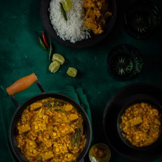 Enchor diye Cholar Dal (Bengali Chana Dal with Green Jackfruit)