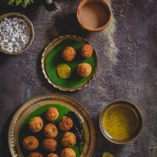 Khoi er Bora (Popped Rice Fritters)