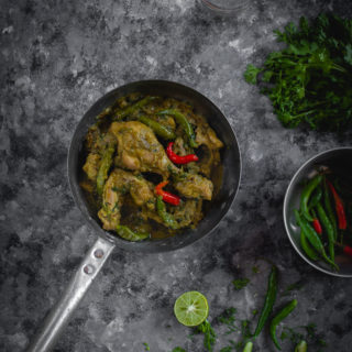 Kancha Lonka Murgi (Chicken with Green Chilies)