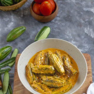 Potol Rosha (Parwal in Tomato-Ginger and Milk Curry, Bengali Style)